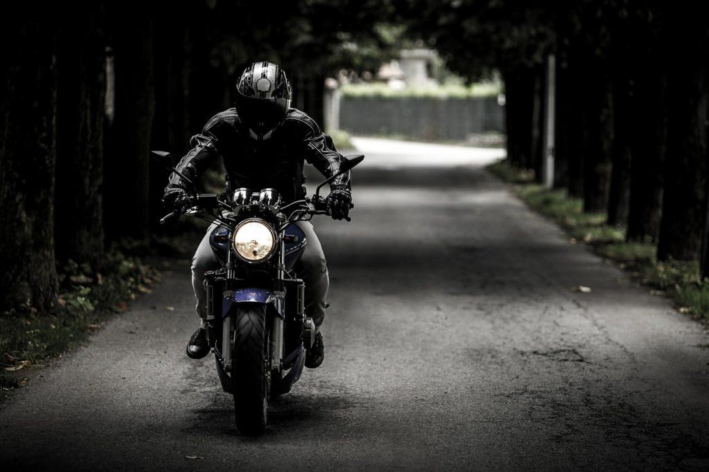 rofi segítség a motoros jogosítványod megszerzéséhez, amit mástól nem kapsz meg (infók + kedvezményes kuponok az elinduláshoz)